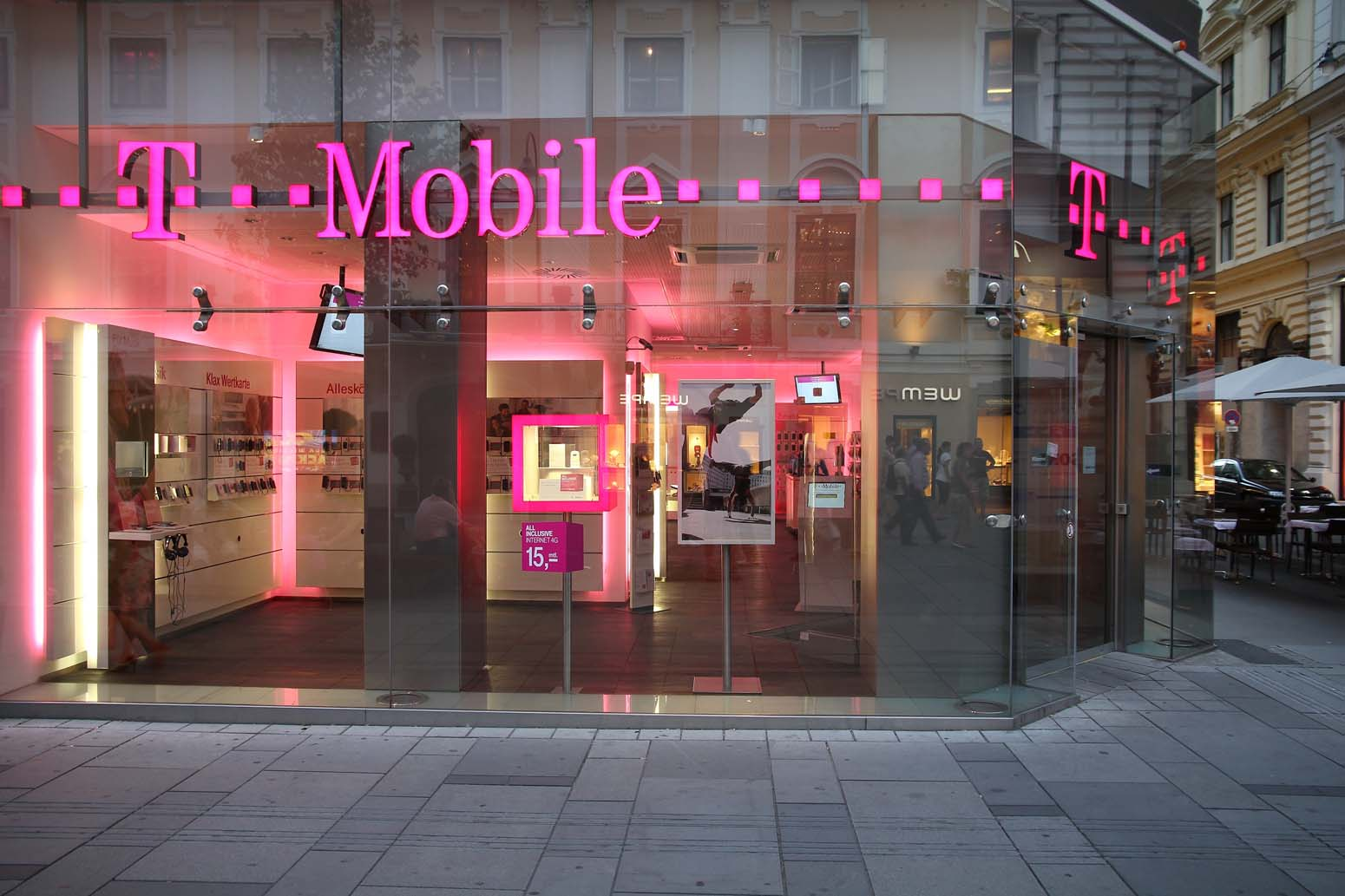 Совершайте безлимитные вызовы за границу с оператором T-Mobile