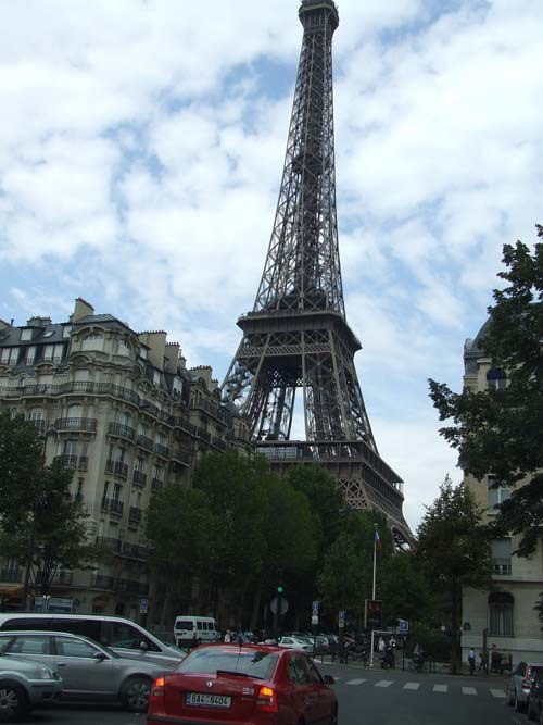 Париж,Эйфелева башня