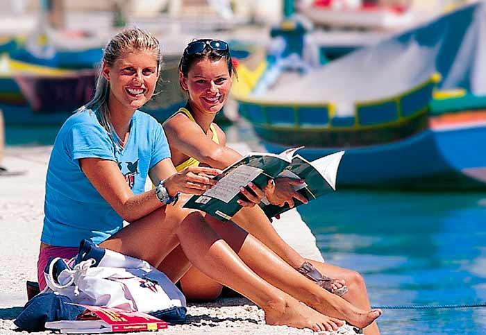 Эффективно ли изучение английского за границей?