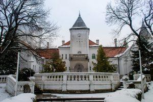 на новый год отправляйтесь в сербский замок фантаст