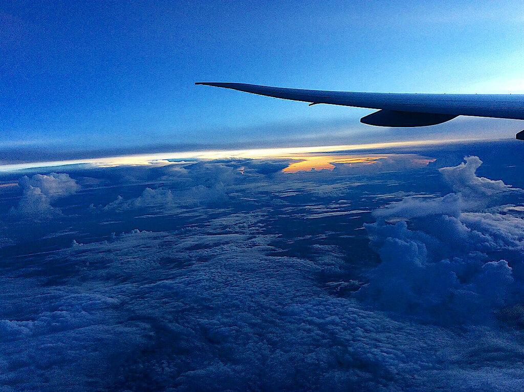 Как находить дешевые авиабилеты и экономить на перелетах?