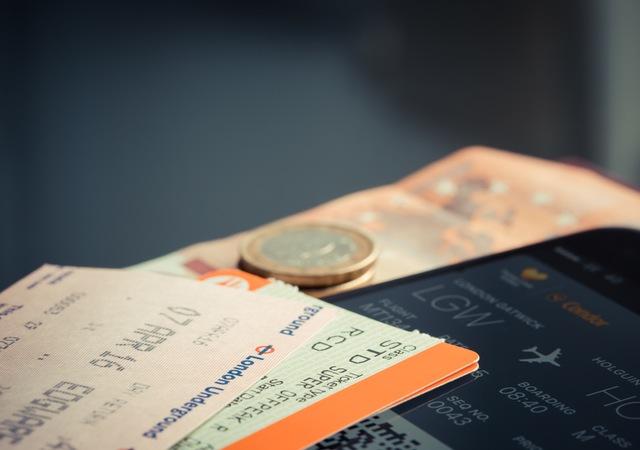 Как слетать на самолете в Европу дешево?