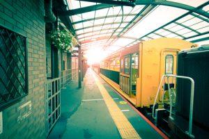 вагоны в метро амстердама похожи на трамваи