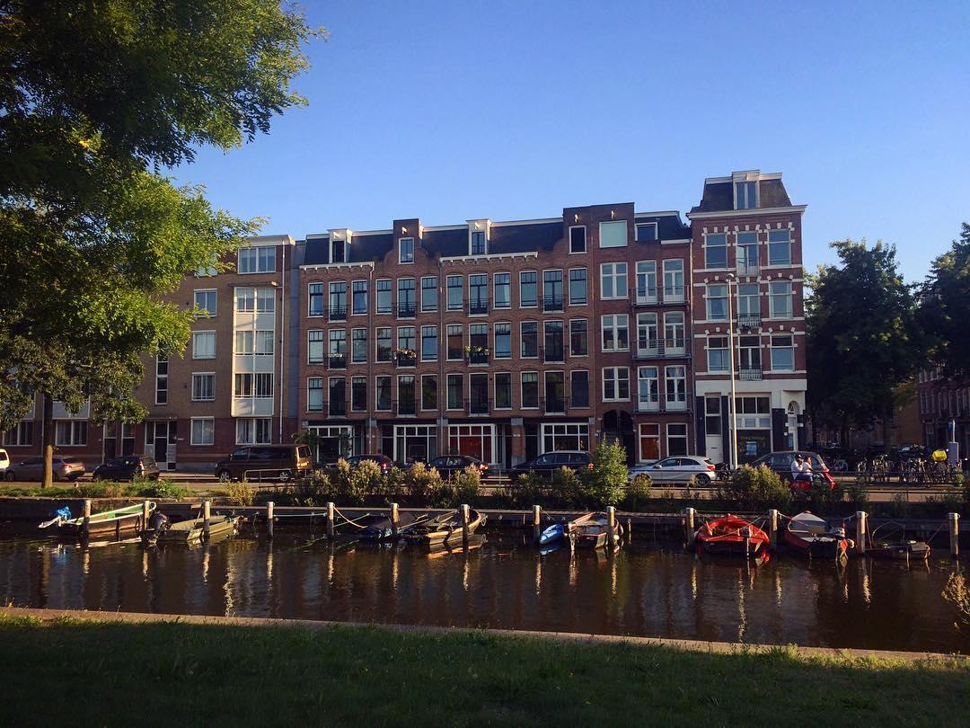 Как сэкономить в Амстердаме? Какой мобильный интернет выбрать для роуминга?