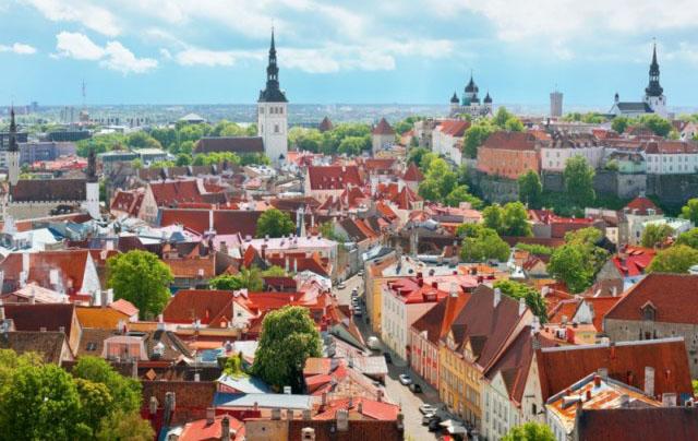Что посмотреть  и где вкусно поесть в Эстонии. Мобильная связь в роуминге.