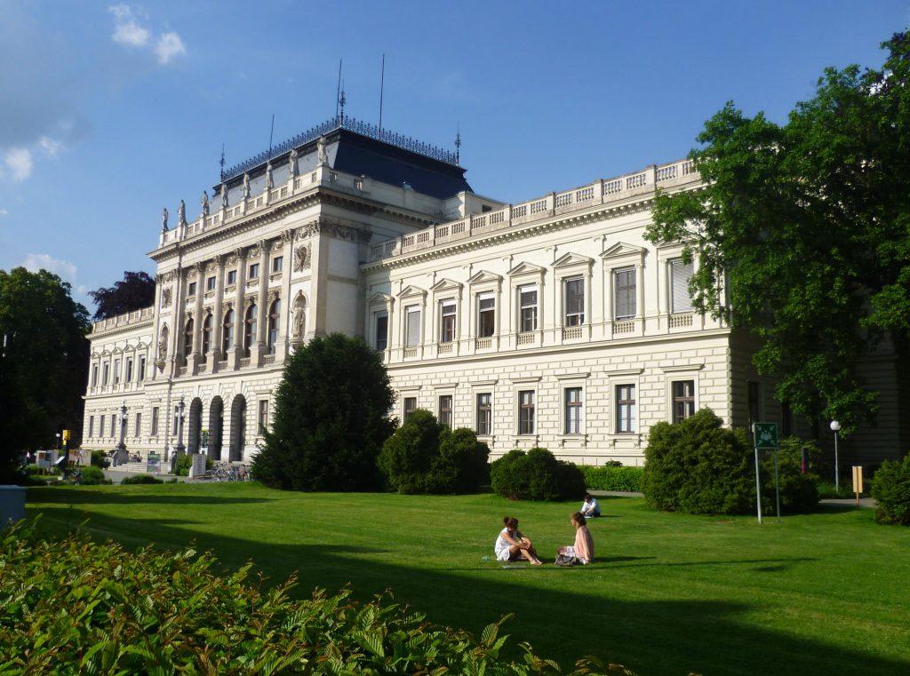 Причины отказа в открытии визы Австрия