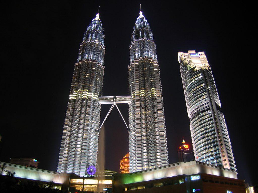 башни-близницы Петронас, Куала-Лумпур