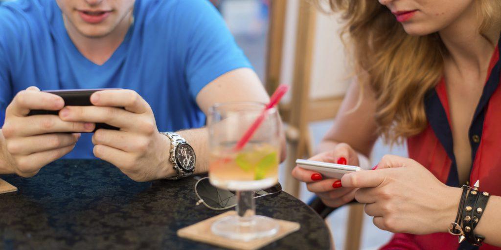 Интернет-кафе, телефонная и сотовая связь, мобильный интернет
