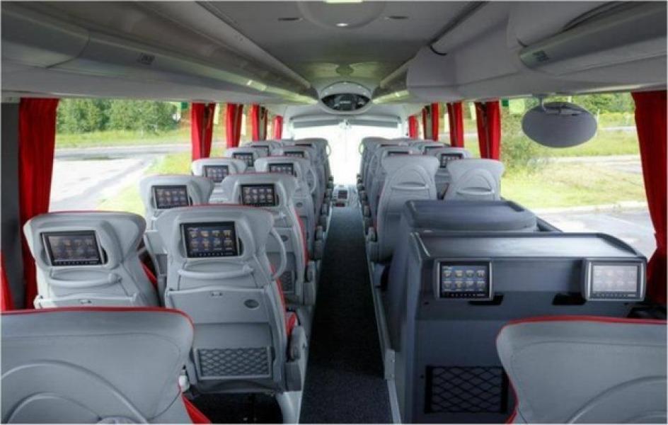 в туристических и современных автобусах
