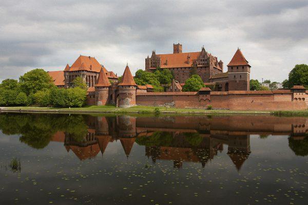 Недорогой Интернет в Польше: выбираем сим-карту для поездки в России
