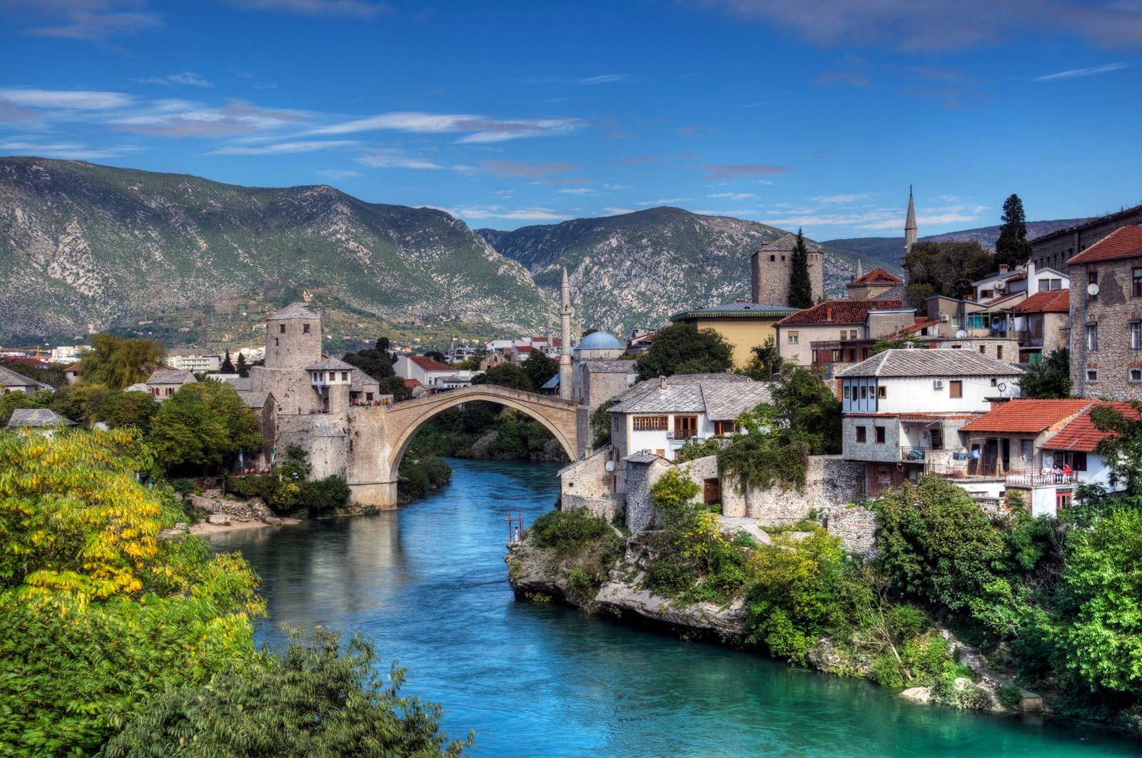 Босния и Герцеговина: Интернет и услуги сотовой связи 1