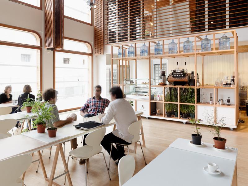 Полезная информация о Wi-Fi, интернет-кафе в Париже