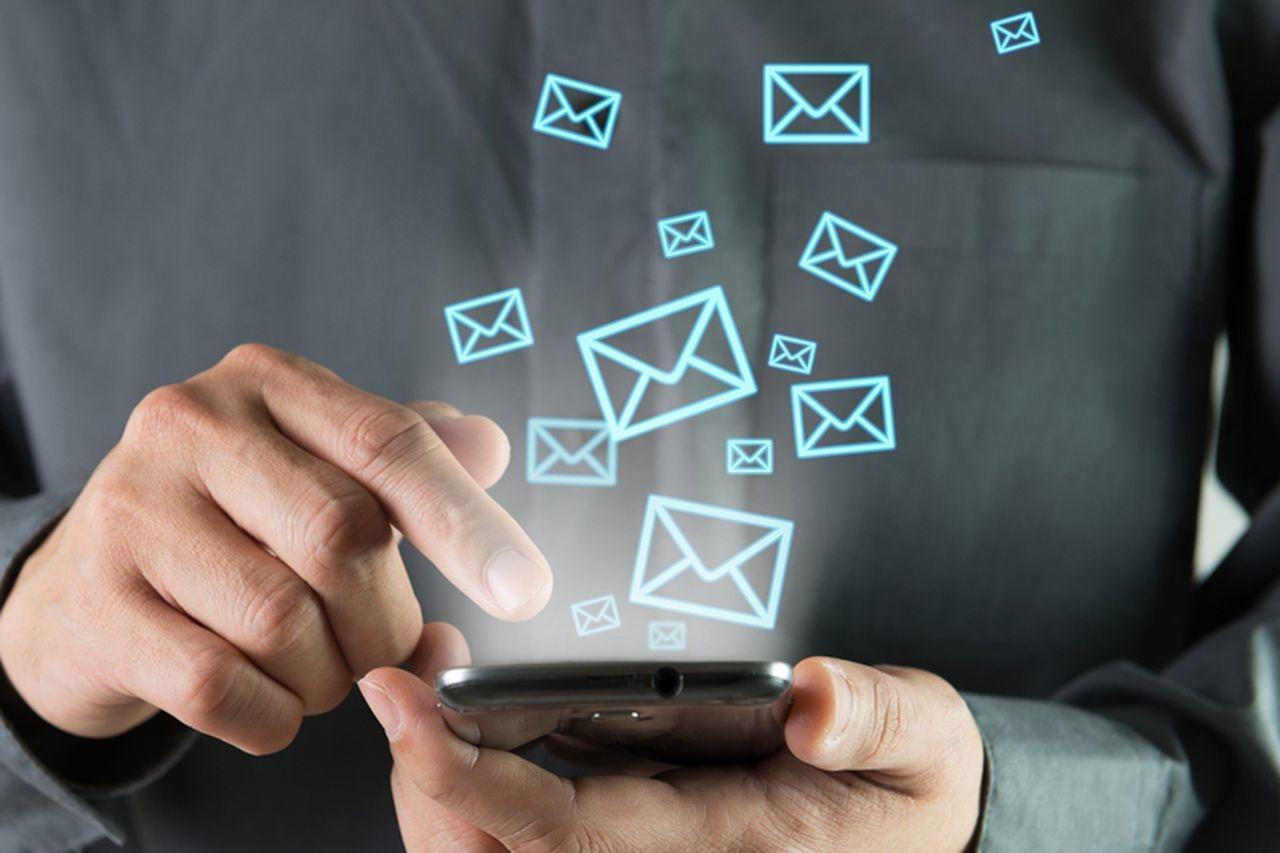 Лидеры мобильной связи «Билайн» и Tele2 удалили СМС из тарифных пакетов