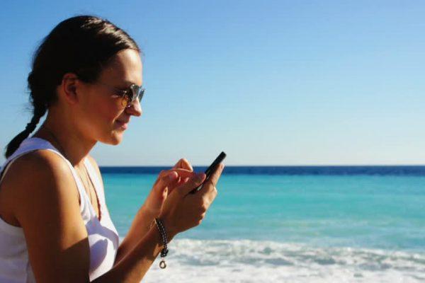 Интернет и услуги сотовой связи Албании