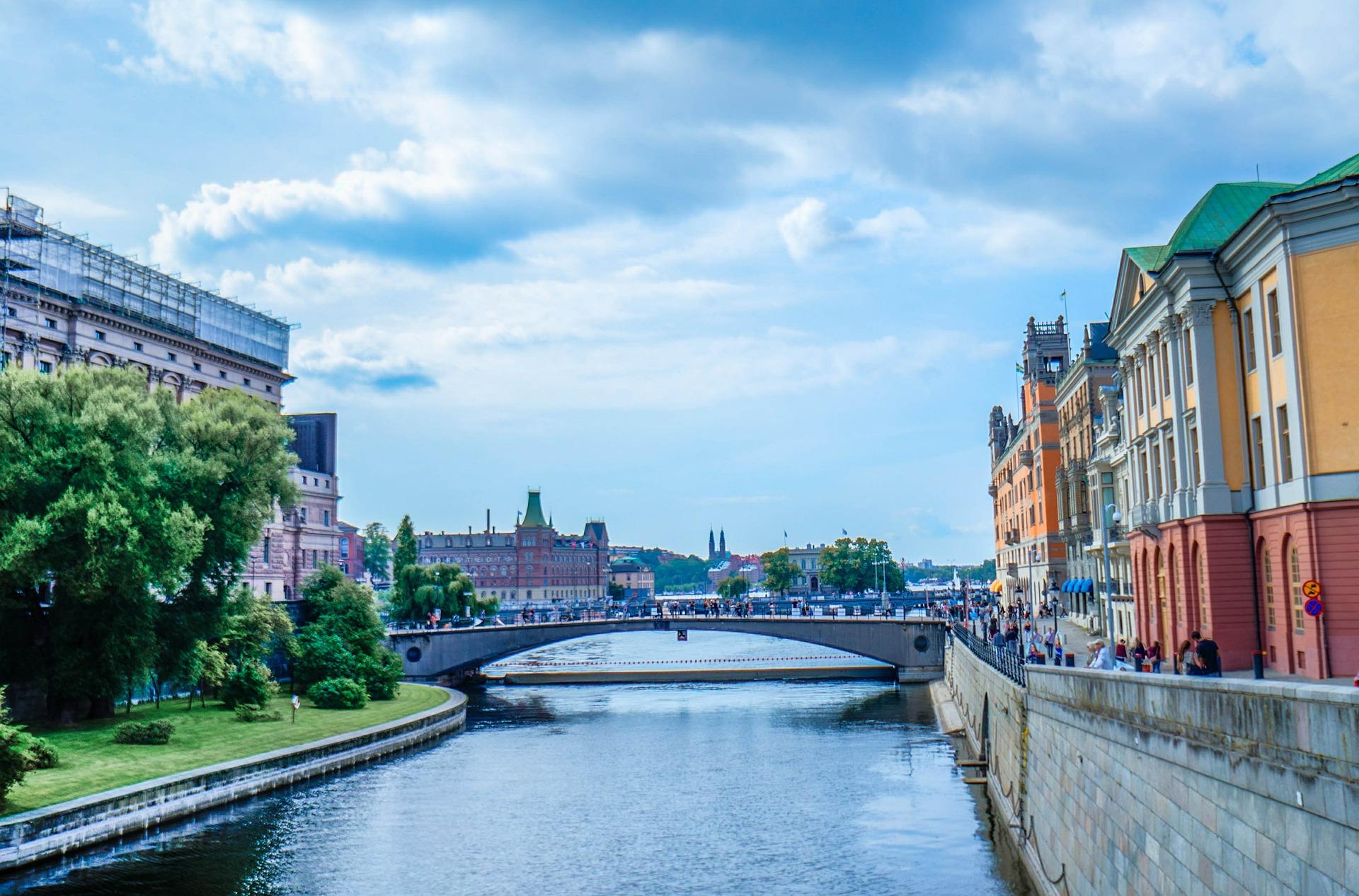 Выбираем недорогой тарифный план на Интернет для посещения Швеции