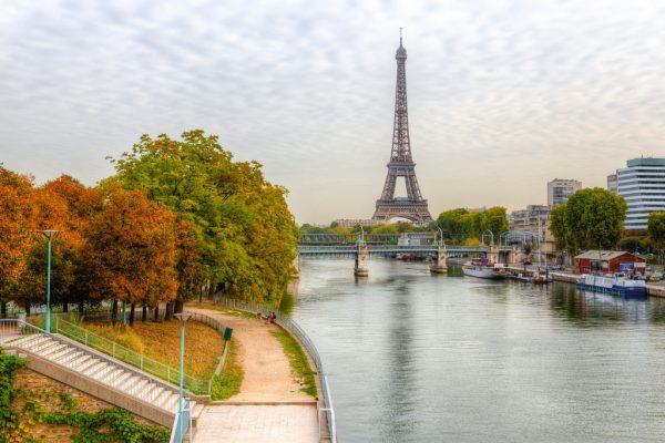 Самостоятельная бюджетная поездка в Париж в сентябре и отзыв о тарифном плане Mundo