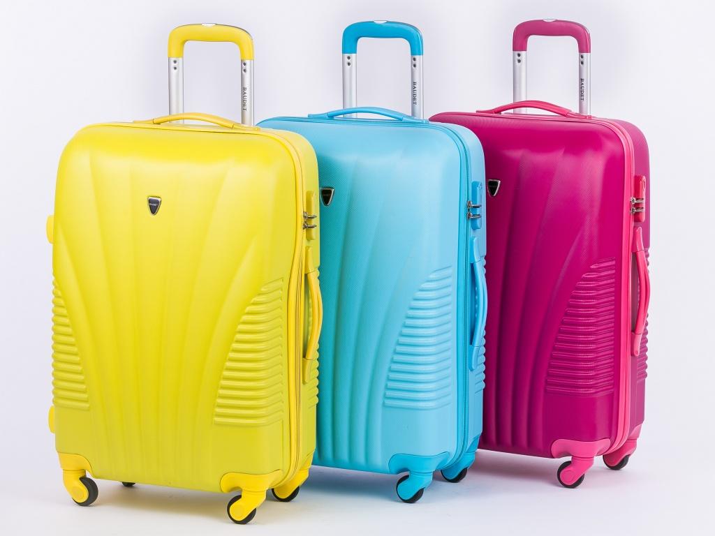 deefe3c0cbcb Покупаем хороший чемодан для путешествий  советы туристам - Евророуминг