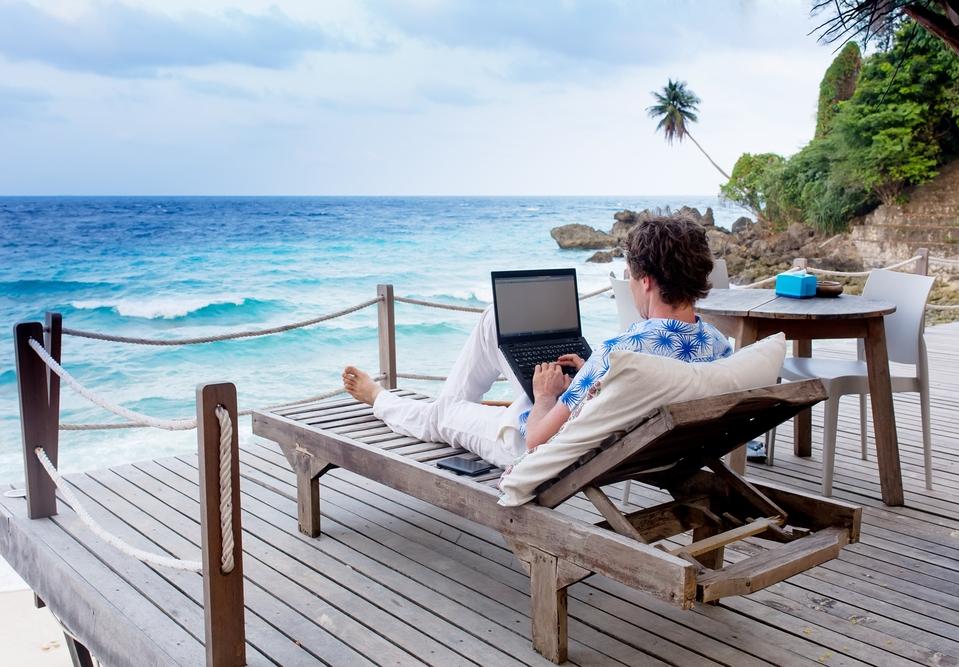 Как работать и путешествовать: 6 вариантов