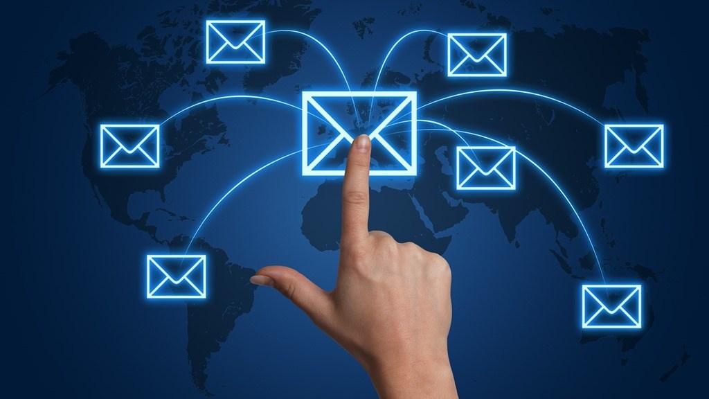 Как отправить письмо с опозданием в пару дней или часов?
