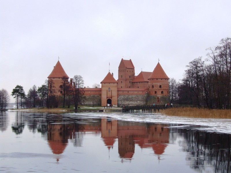 Тракай замок, на автомобиле и отзыв о тарифе «Балтийском» (GlobalSim)