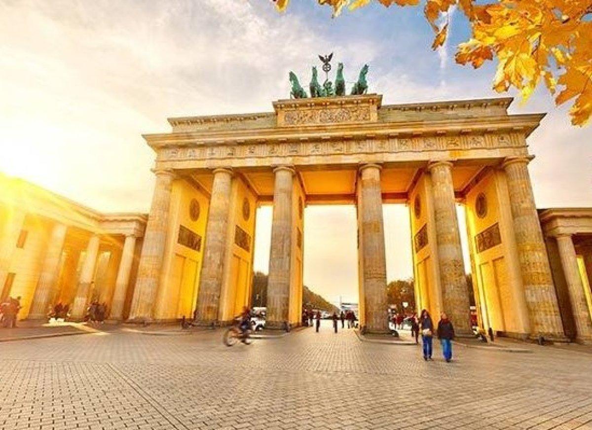 Ноябрь – время путешествовать! Выбираем сим-карту для поездки в Германию до отъезда из России