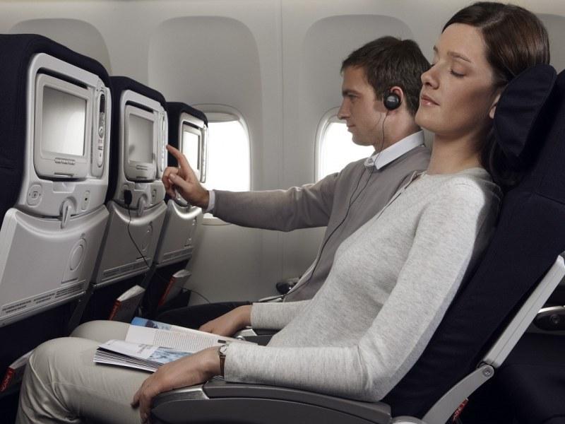 в самолете, Интернет за границей от Orange
