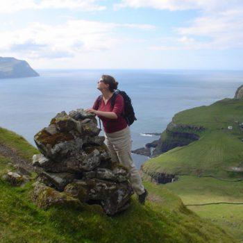 Сотовая связь на Фарерских островах: выбор сим-карты для поездки