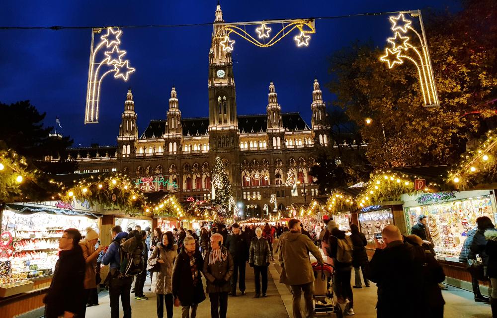 Романтический отдых в декабре с любимым в Вене и мои впечатления от тарифа Orange Mundo