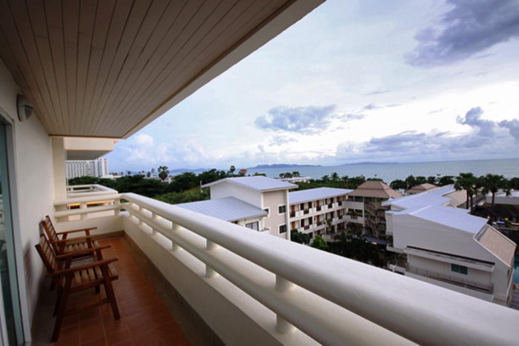 Отзыв об отеле Sea Breeze Jomtien Report 3 вид из отеля