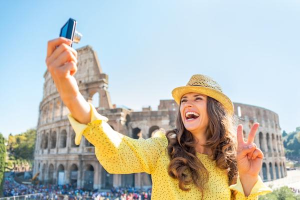Почему в путешествие лучше взять с собой смартфон, а не камеру?