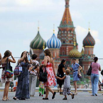 Туристы из Голландии больше других используют роуминг в Москве