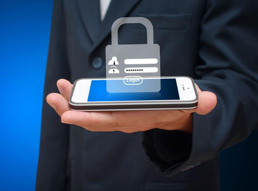 Как защитить свой смартфон: 4 простых совета и действия пользователя