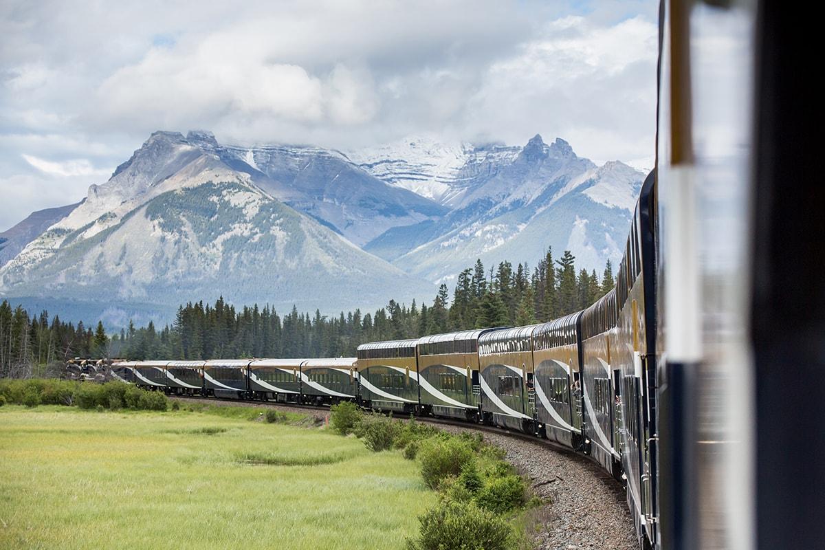 Rocky Mountaineer Топ-5 роскошных поездов для туристов