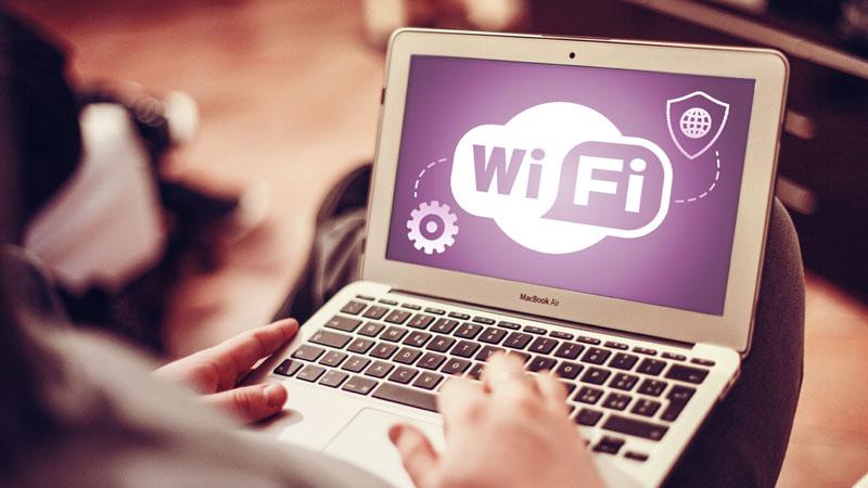 Как обезопасить себя туристу в случае с бесплатным Wi-Fi?
