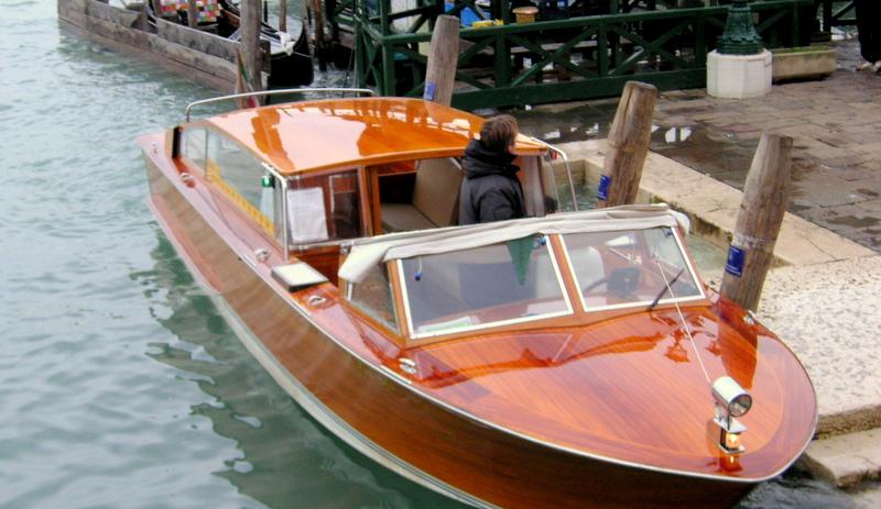 Экономия на Интернете в Венеции, такси