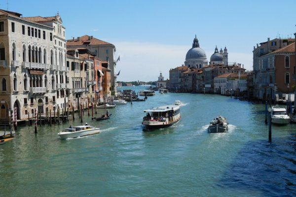 Водный транспорт Венеции: это важно знать туристам