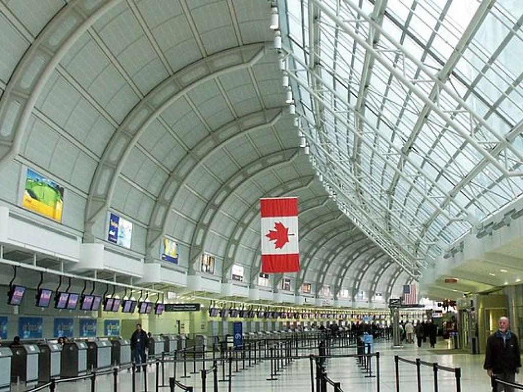 Стоит ли подключаться к бесплатному Wi-Fi по прилету в Торонто?