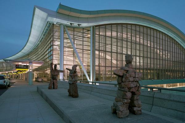 Почему в аэропорту Торонто туристам лучше не надеяться на бесплатный Wi-Fi?