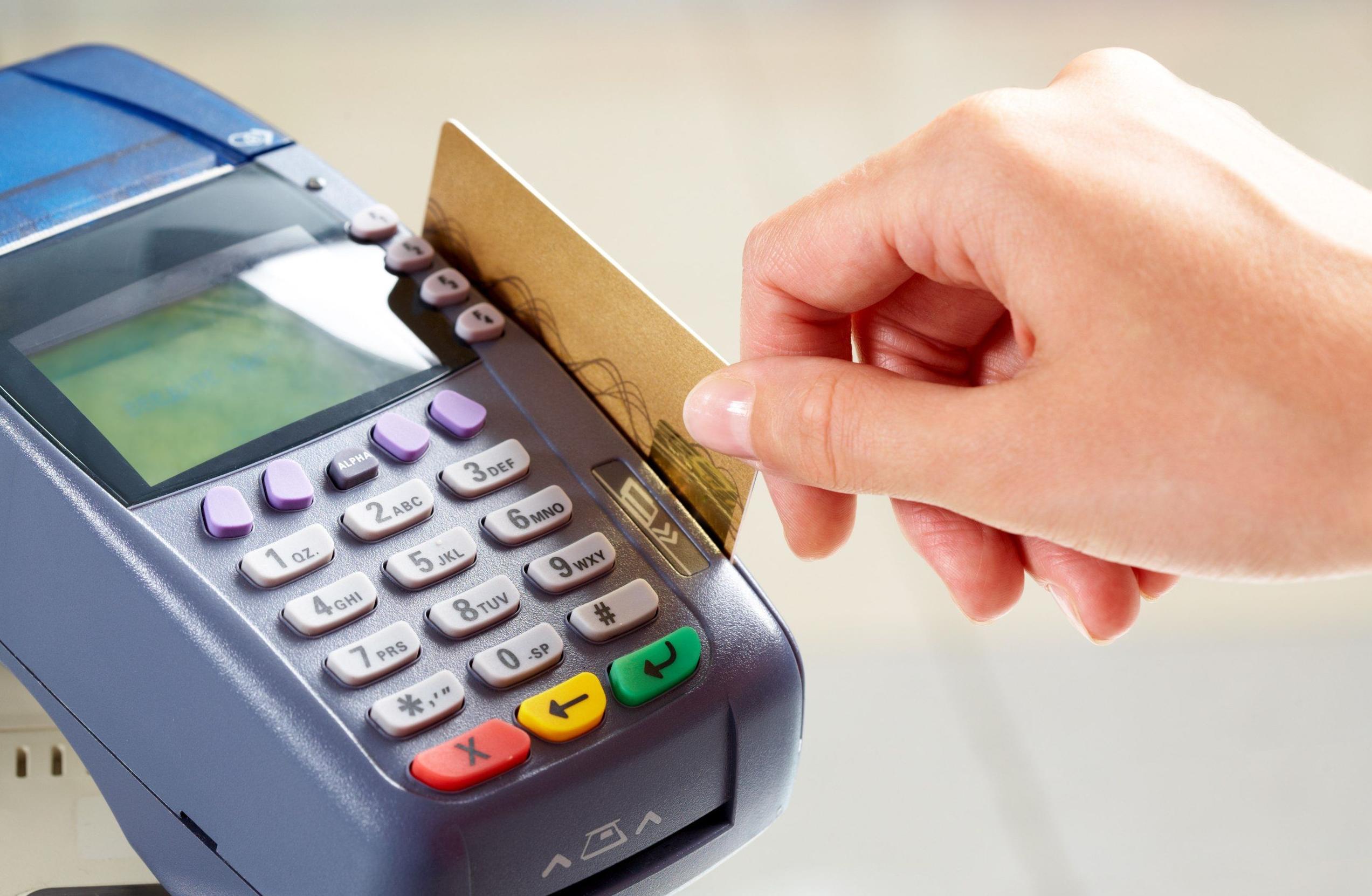 Обсуждаем главные финансовые вопросы путешествия: 6 полезных советов