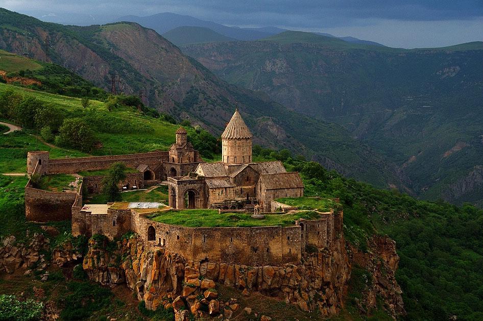 Чем так привлекательна Армения для туристов и выбор тарифа на Интернет для поездки