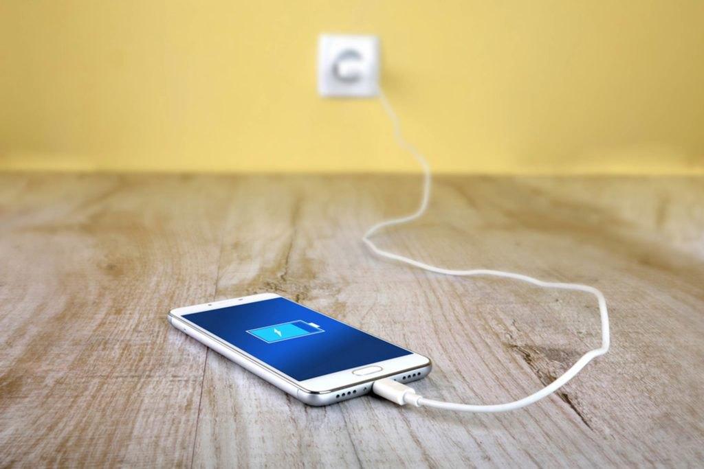 Медленная зарядка смартфона: как решить проблему просто и сэкономить заряд батареи