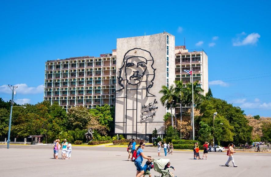 Звонки и смс на Кубе – как решить вопрос в России?