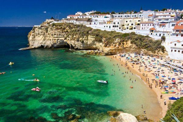 Выбираем выгодный тариф для отдыха в Португалии в августе 2018