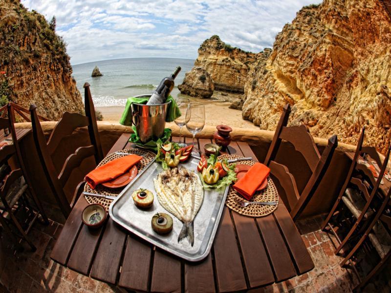 Выбираем выгодный тариф для отдыха в Португалии в августе