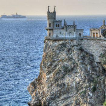 Отмена роуминга в России началась, но в Крыму все будет по-прежнему?