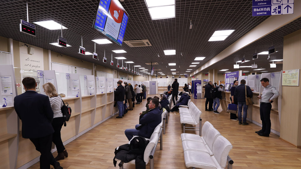 Чем опасны новые поправки в законе о выезде и въезде – возможные последствия для туристов из России