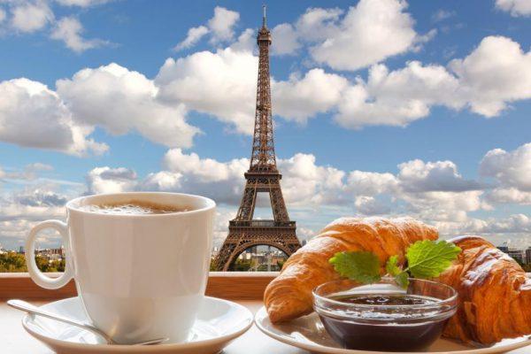 Где в центре Парижа можно пообедать вкусно и недорого?