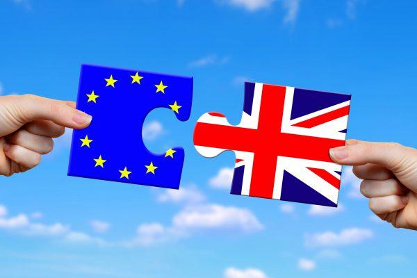 После Brexit жителям Британии придется платить за роуминг?
