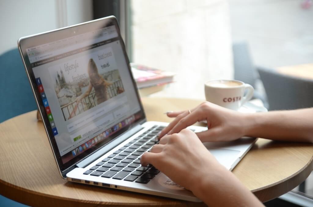 Как стать успешным блогером-путешественником и сэкономить на Интернете за границей?