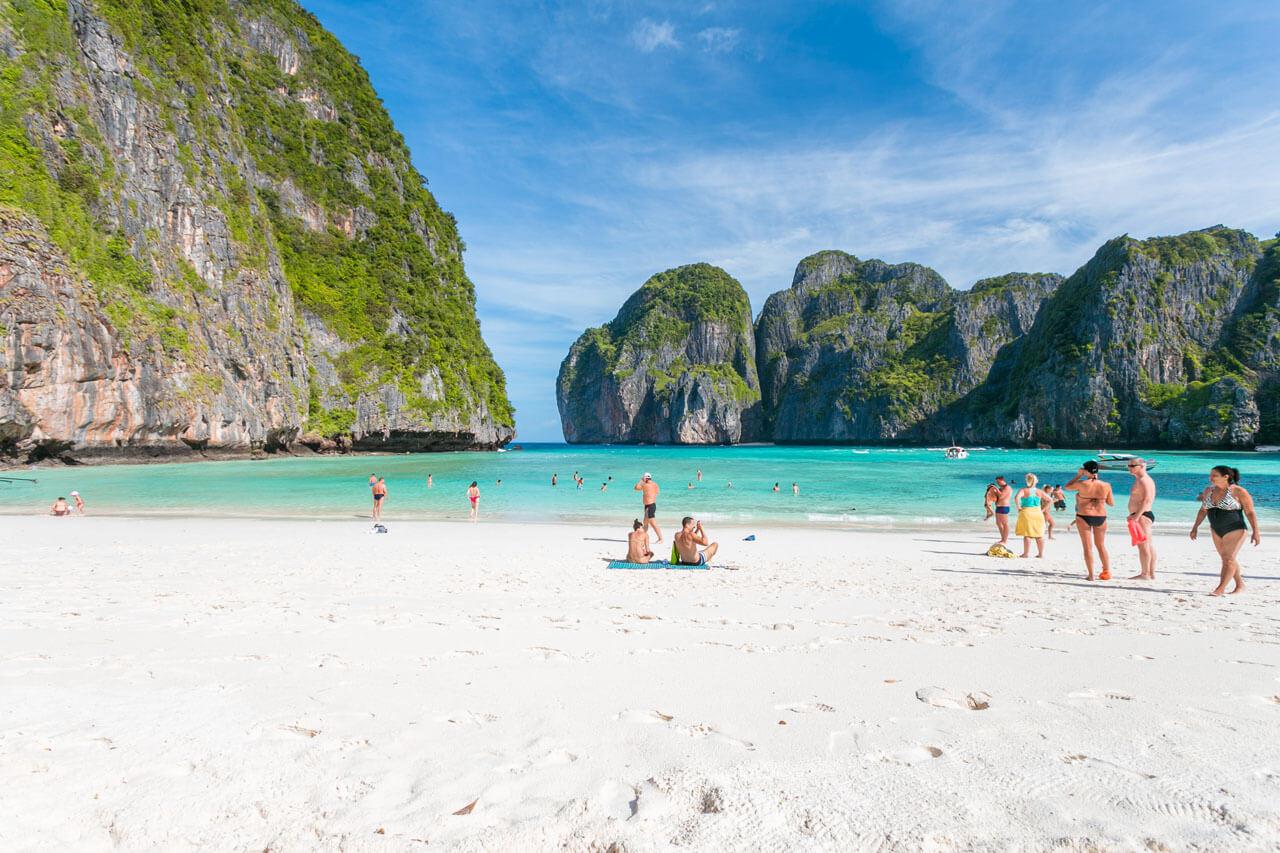 Где в России подключить выгодный тариф на звонки и Интернет для октябрьского отдыха в Таиланде в 2018 году?